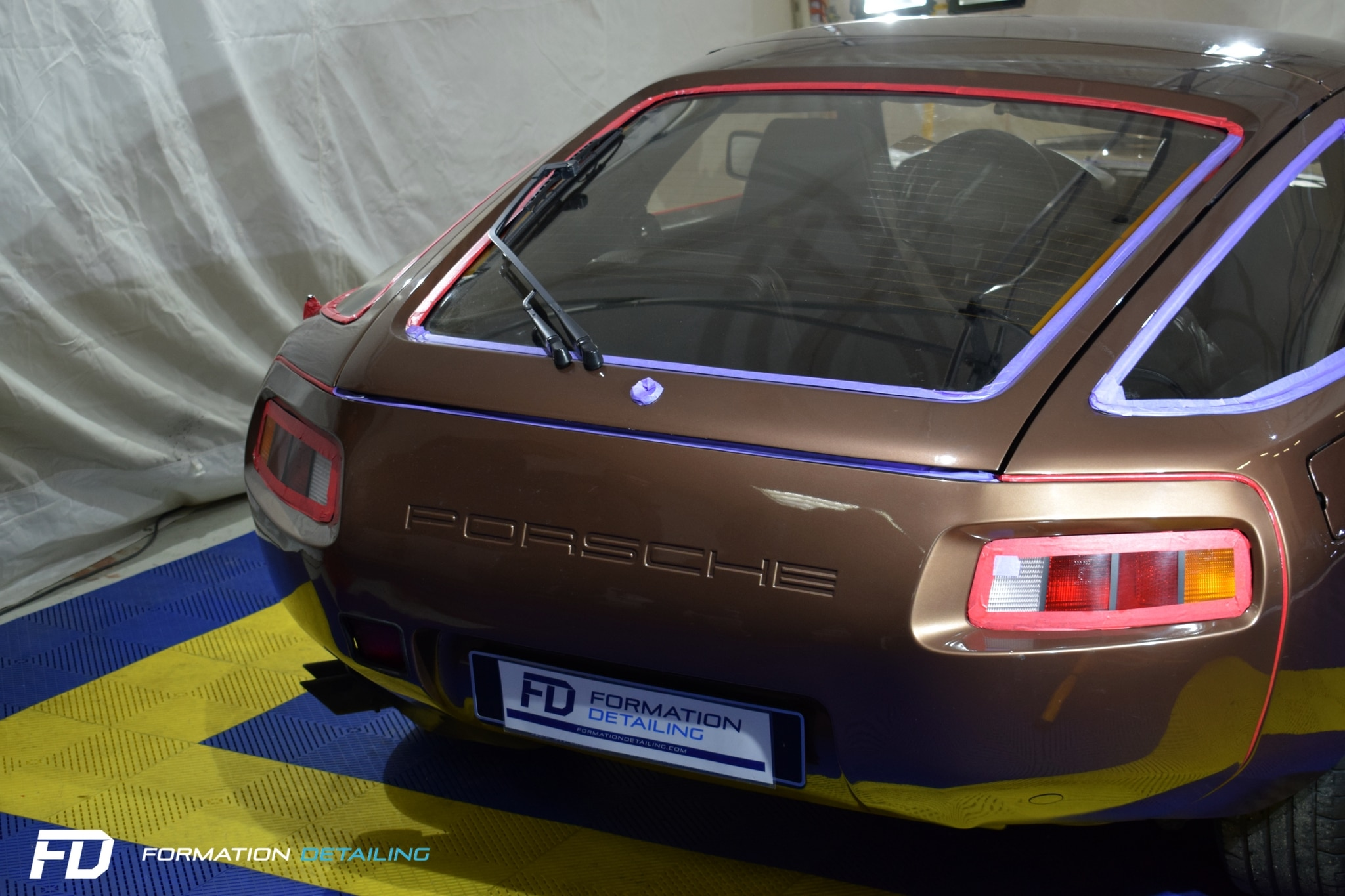 porsche-928-en-formation.jpg